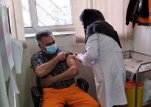 تزریق واکسن کرونا به پاکبانان گیلانی
